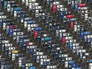 看看你能找到几个车位。