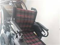 互邦電動輪椅,95新,原裝都帶,新換了雙電瓶,續航30多公里。原車自帶電子剎車,老人使用更安全。全車...