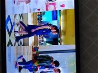 海信电视42英寸液晶电视,有2D转换3D功能及3D眼镜配备。