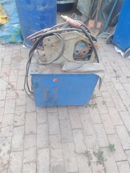 二保焊机出售,正常使用无任何毛病。
