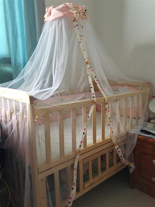 急转九成新婴儿床,地址邻水县惠民苑,需自提