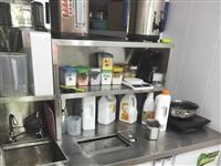 1.5米冷藏一体操作台加一台净水器,才用4个月,原价3200,现二手转2000。       奶茶店...