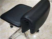 **老板凳,若干张,180一张,需简单组装,有意者私聊