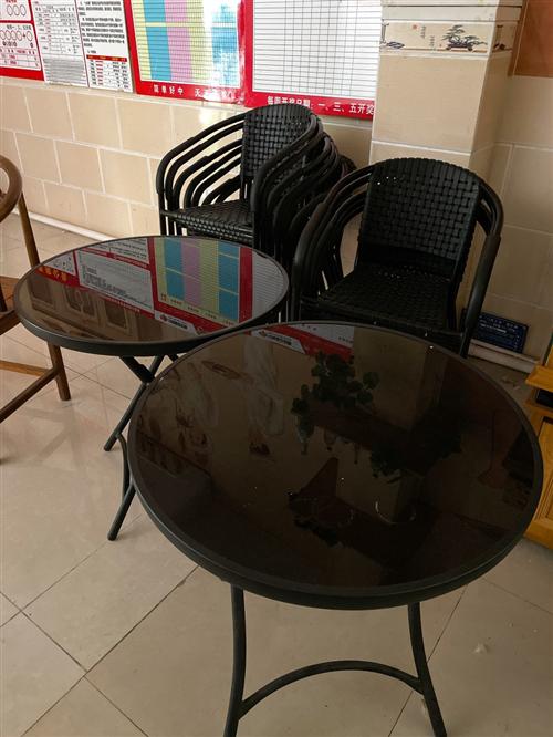 休闲餐椅,面包展示柜,有意者电话联系