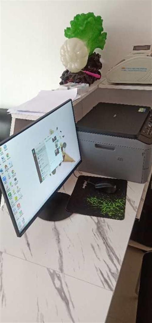 95成新的电脑,打印机,办公桌低价出售。