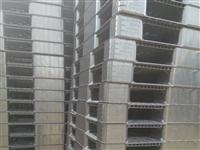 福建长期大量回收出售二手塑料托盘,铁托盘,木托盘联系电话15959561547郭先生(微信同号)