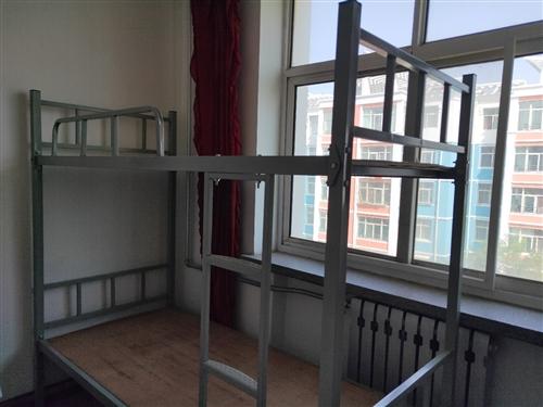 新高低床,因为放小卧室有点占房间面积,特低价转让。