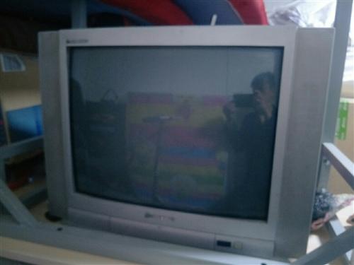 家用电视出售,在乡里闲放着,刚拿回来,没用多长时间