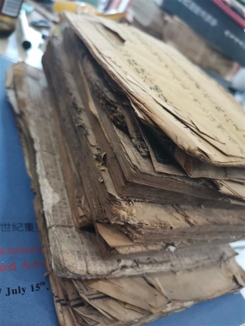 长期收购古旧书,要求文革以上,小儿书,老书。各种老物件,铜钱纸币,书画。当面看货面谈。