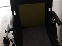 老年人轮椅在上海买回来。用于上下飞机的,只坐了一次。现在在家用不着了,转让给需要的人