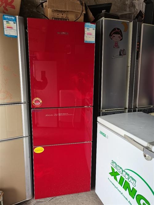 二手冰箱,無破損,可送貨上門,詳情可打電話咨詢。說明是在嘉峪關在線上看到的。