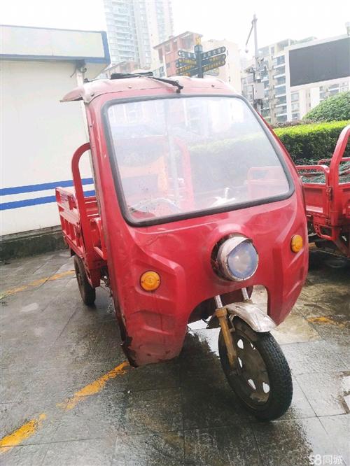 电动三轮车,没有任何暗病,送一把3x3雨伞,还可以跑30-40公里,需要自提