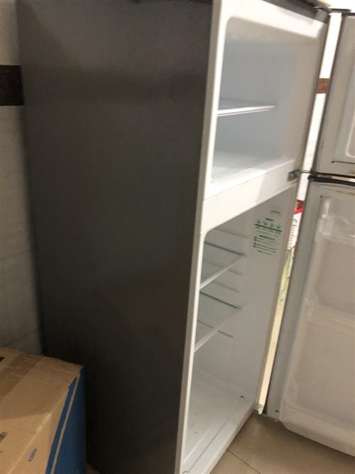 奧馬冰箱,118升,在安溪茶博會,買回去就可以用