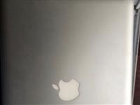 老款的MacBook pro升級的5g內存120g固態 平時辦公看電影沒有任何問題 同城面交 電話1...