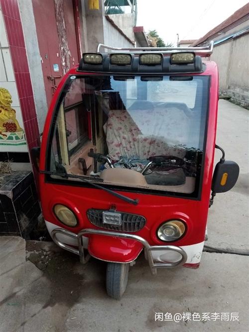 新金科電篷車 新金科電動三輪,買了有兩年了,充滿電能跑40公里左右,有輕微刮擦,電瓶5塊天能45A。...