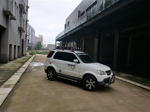 众泰5008,2012手动舒适款,车况好,无大修,加装行李架、负值轮毂、AT胎、车载电台、导航一体机...