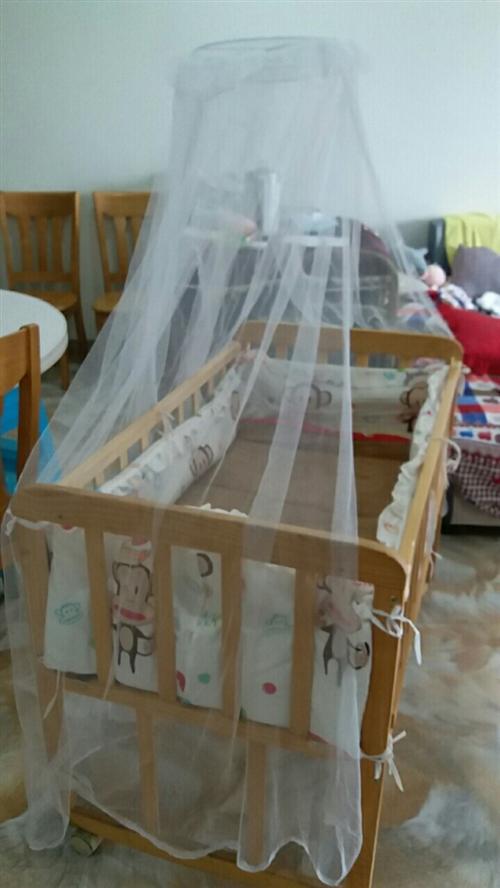 出售婴儿床,用了几个月,买的时候369买的,现在小孩大了用不上了。  有需要的联我就说在合江在线看到...