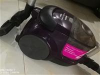 飞利浦吸尘器,质量很不错,今年三月买的,八成新。原价410元,放在家里占地方我不想要了现打算260元...