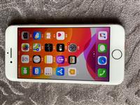 iphone 8 全网通64g,全原无拆修,成色新净,无任何问题和暗病,指纹灵敏,插卡即用,随意升级...