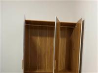 成人衣柜,几乎**,去年夏天买的,现需要搬家,带不走了,便宜卖,买成600