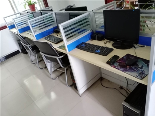 因公司装修,特处理连体办公卡座10组,规格90×50,低价出售,有需要的可加微信:DSSW999