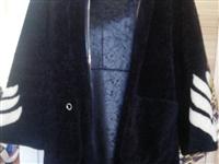 皮草,去年买的,穿过一次,现在低价处理,真心买的可以加微信mamin70765104。