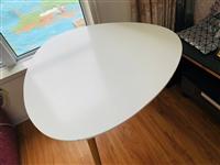 圆桌子和椭圆形的洽谈桌低价处理
