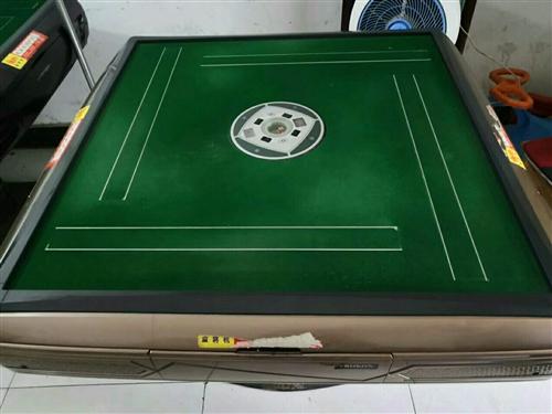 处理二手麻将机,价格美丽,欢迎进店咨询,有意请电联:13939086299
