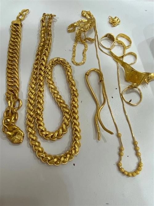 高价回收各种金银首饰,名表,手机,真实报价无套路,可上门回收!15903768000