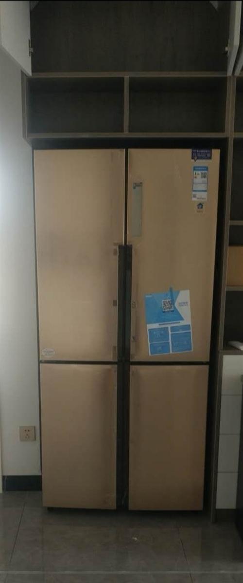 海爾冰箱,由于買的顏色和酒柜的顏色不搭配,**的沒用過。所以想出轉讓,有需要的私聊我?可以去看貨。