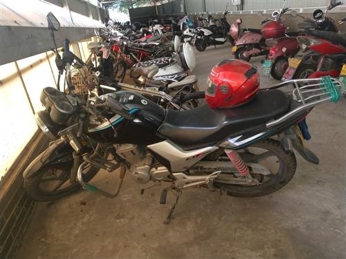 个人一手摩托出售:本田小战鹰125摩托,7年车龄,8成新,3.3万公里,裸车自重135公斤,车重高速...