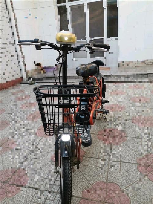 处理带脚蹬子电动车,带助力功能。也不大骑。才换的电瓶,前后里外带。车胎上的小毛刺还带着哩。车子没毛病...