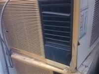 处理几台窗式空调,进口压缩机,老房子拆下来的,适合租房子用的朋友,不用安装,插电就制冷,500一台。...