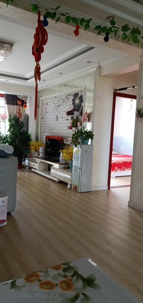 富力花園步梯3樓帶家具出售