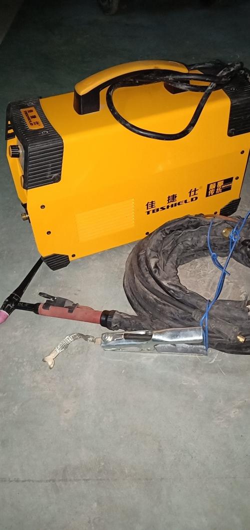 250氬弧焊機買來試了下機,沒有用上9.9成新。 600元出,商家包售后。15308286358