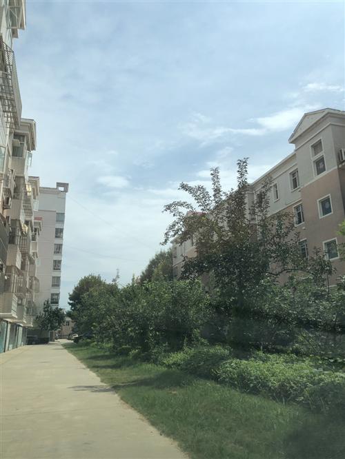 房产位于市北区朝阳路明珠花园西院8-04-407建筑面积131.7平,车库面积24.61平,小区...