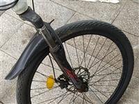 95新,刚买的自行车,到二中骑两天就走路去了,刚买的时候买了1080元,现便宜卖出,380元