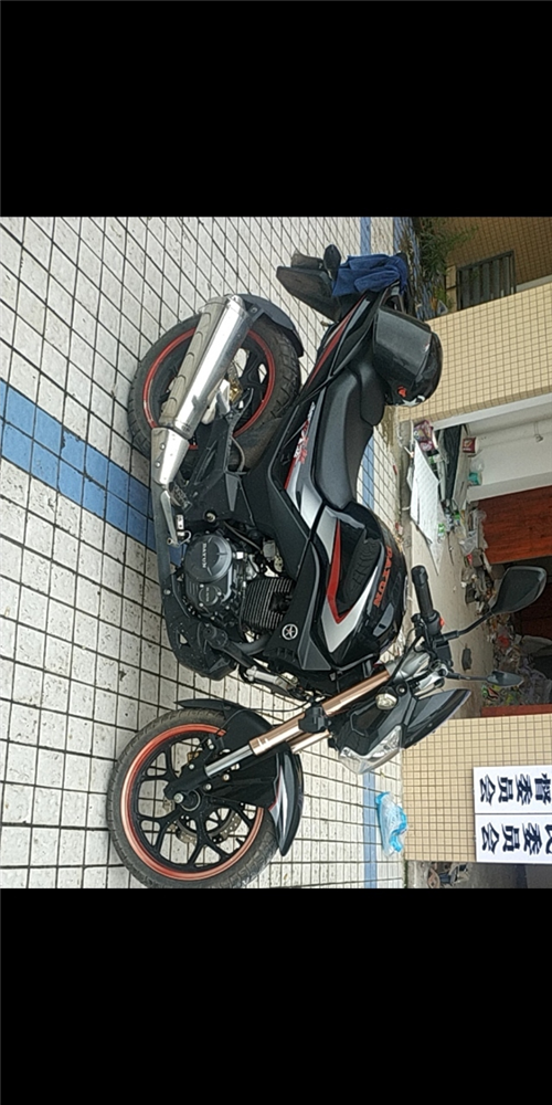 大运150-200摩托车,19年2月份买的。现在骑了6千公里,在慢慢加,有喜欢的朋友可以买去,可以打...