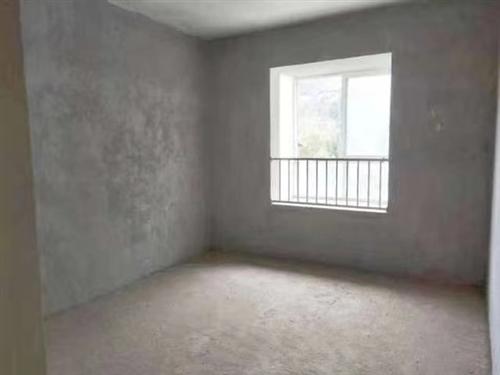 出售北上鼓楼铭钻小区毛坯房一套,二室二厅一卫可改三室,有意者电联