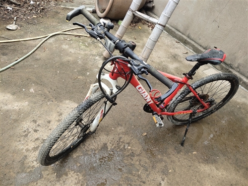 吉安特变速自行车,八九成新,买回来骑了没几回,欢迎订购