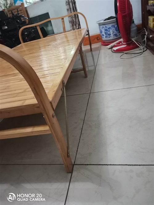今年夏天购买的折叠床,因个人原因,不需要,低价出售
