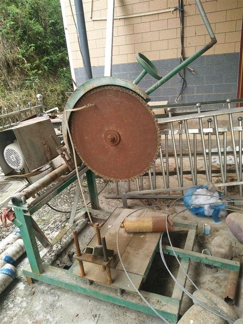 鹅卵石工艺品加工设备:用于鹅卵石花盆、鱼缸、烟缸、果盘、倒流香等等的加工。电:13990340859