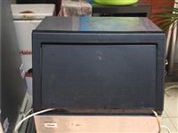 制冰机转让,八成~9.99成新,拆了包装,未使用过的,正常运作