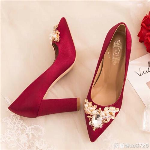 【孕婦可穿】婚鞋女2018新款新娘鞋子結婚酒紅色粗跟防水臺高,36碼酒紅色,只穿了一次。現在出手