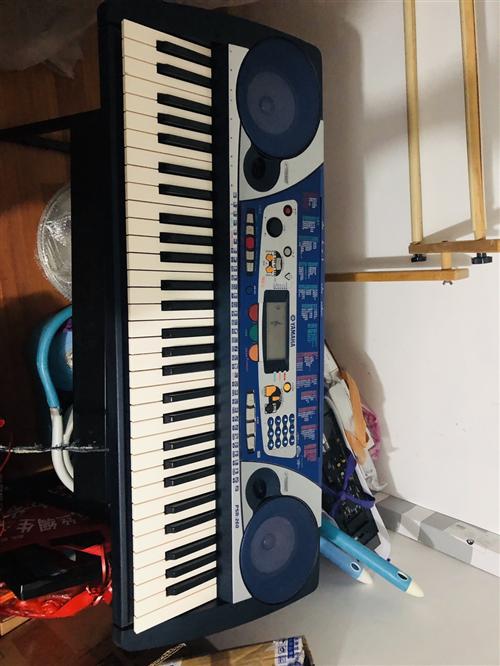 雅馬哈電子琴prs260,帶琴架,琴袋。原價2350需要的盡快聯系
