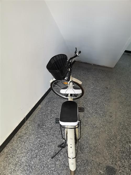 九成新自行车,今年五月份买的,现由于回家出售,需要的联系。