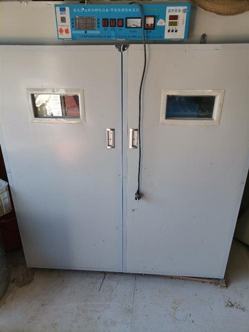 暖立方2112三用机孵化机,只用过一次,现在拆迁不养了,配的是鹅蛋盘,可放鹅蛋768枚,鸡蛋2112...