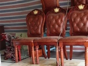 高�r收:床,桌子,椅子,柜孑,各�N家具,�C�
