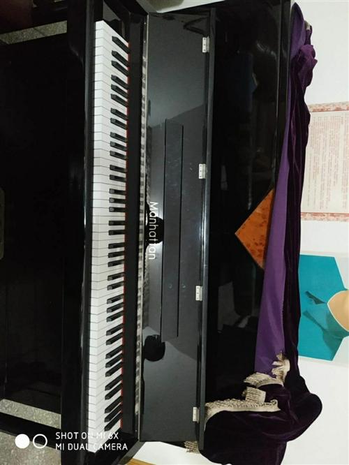 需要的联系我,钢琴没用多久,八成新