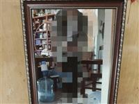 闲置99成新镜子3个 理发镜台 化妆镜台 镶边  处理3个镜子一共150元。  60cm*110...